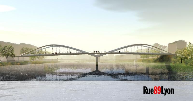 Le Pont Schuman A Lyon Le Pont Pour Voitures De Trop