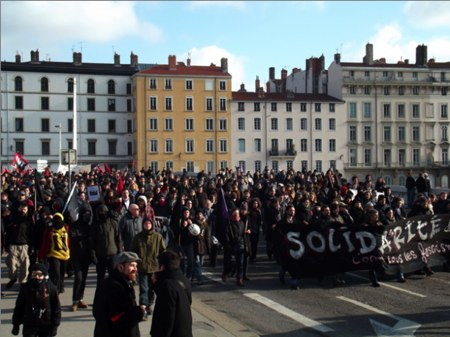 Manif-contre-local-identitaires-Lyon-1