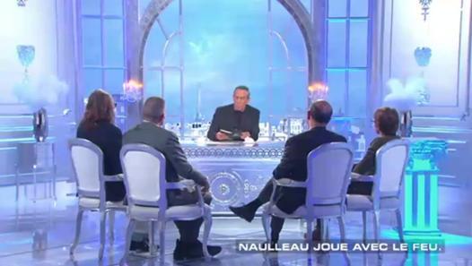 Dialogues désaccordés : Le Monde de Sophisme