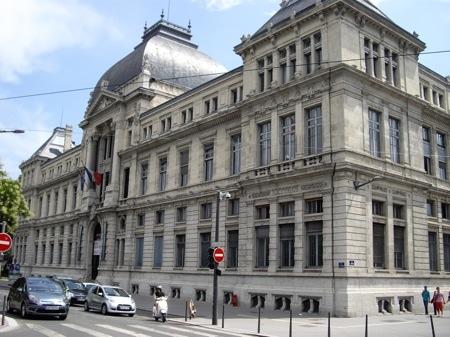 Université Lyon 3 : le doyen de la fac de philosophie au cœur de lourds dysfonctionnements