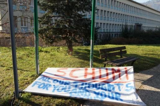 banderole-abandonnee-par-les-fans-de-schumacher