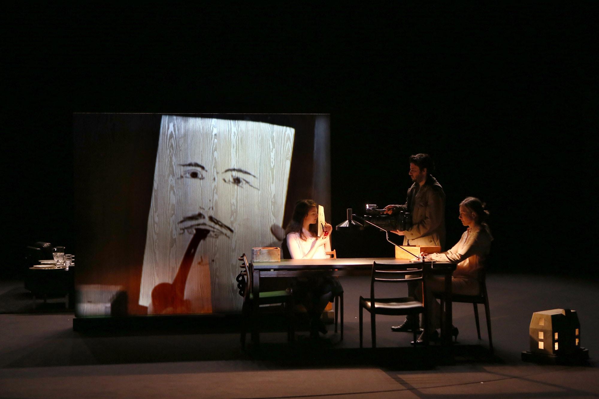 Les Revenants, de Thomas Ostermeier au théâtre des Célestins.