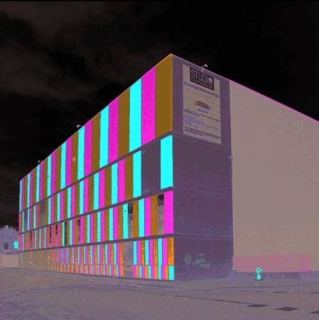Le Studio 24 à Villeurbanne : un univers de création aux énormes pixels de façade