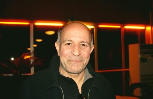 Abdelaziz, 56 ans, connaît déjà bien le métier.