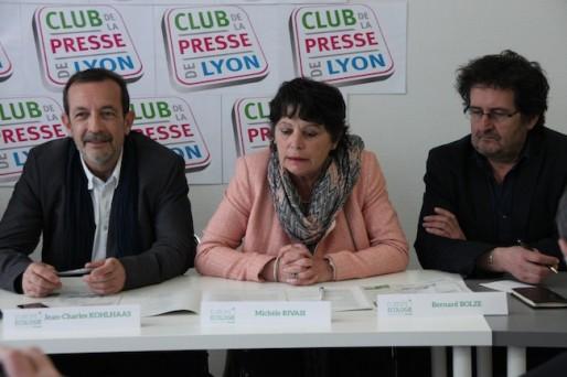 Michèle Rivasi, tête de liste Europe Ecologie, entourée de Jean-Charles Kohlaas et Bernard Bolze.