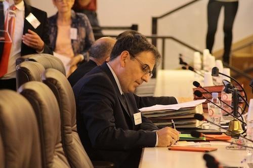 """David Kimelfeld, le """"dauphin de Collomb"""" à la tête de la fédération PS du Rhône"""