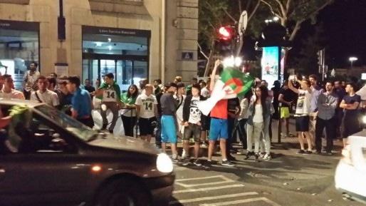 Les rues de Lyon à l'issue du match Algérie-Russie. Crédit : Rue89Lyon.