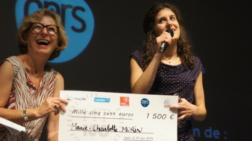 Marie-Charlotte MORIN, candidate de la région Alsace, reçoit le premier prix du jury. ©Matthieu Beigbeder/Rue89Lyon