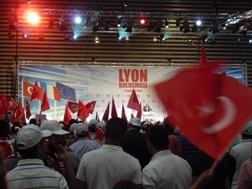 Erdogan fait son entrée à Eurexpo, samedi 21 juin 2014. © Mathieu Martiniere.