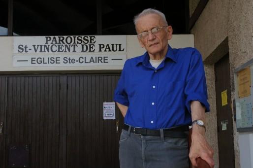 Gérard Riffard, curé à Saint-Etienne, poursuivi pour avoir logé des demandeurs d'asile. Crédit : Yann Petiteaux/Rue89Lyon.