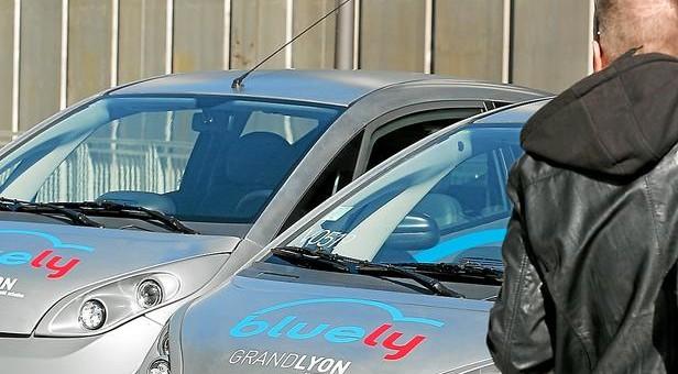 Bluely étend ses véhicules à la banlieue de Lyon pour faire décoller son trafic