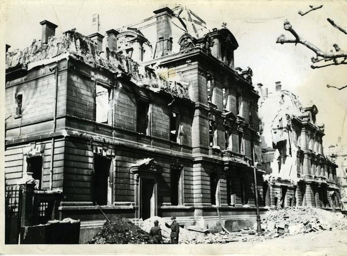 Bombardement-Lyon-ecole-sante-021