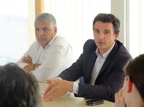 Eric Piolle et son adjoint aux finances, Hakim Sabri. Crédit : Victor Guilbert/Rue89Lyon