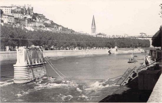 Pont d'Ainay a été dynamité par les troupes allemandes en déroute © Blog Christian Palluy