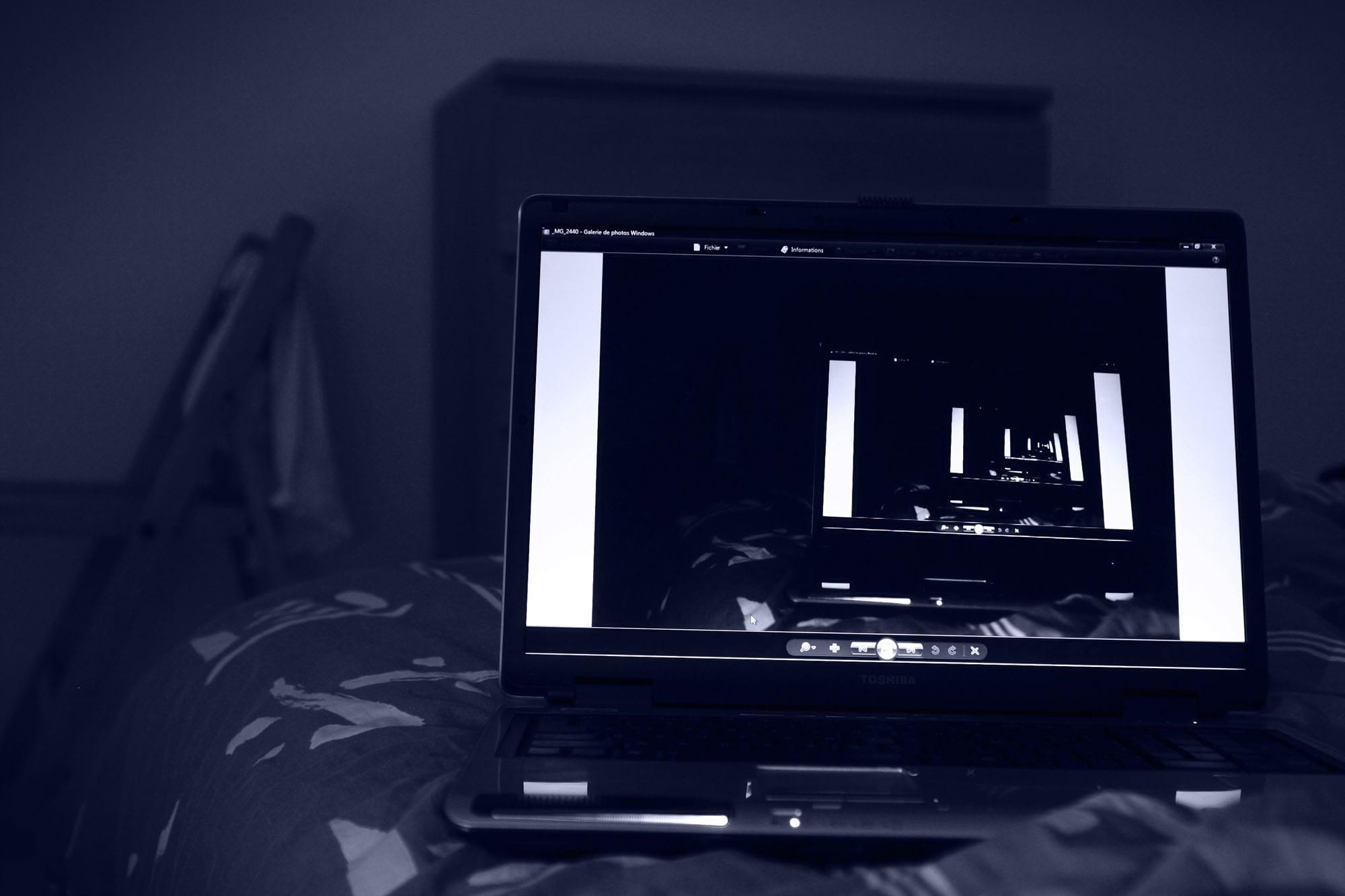 tele grand ecran pas cher maison design. Black Bedroom Furniture Sets. Home Design Ideas
