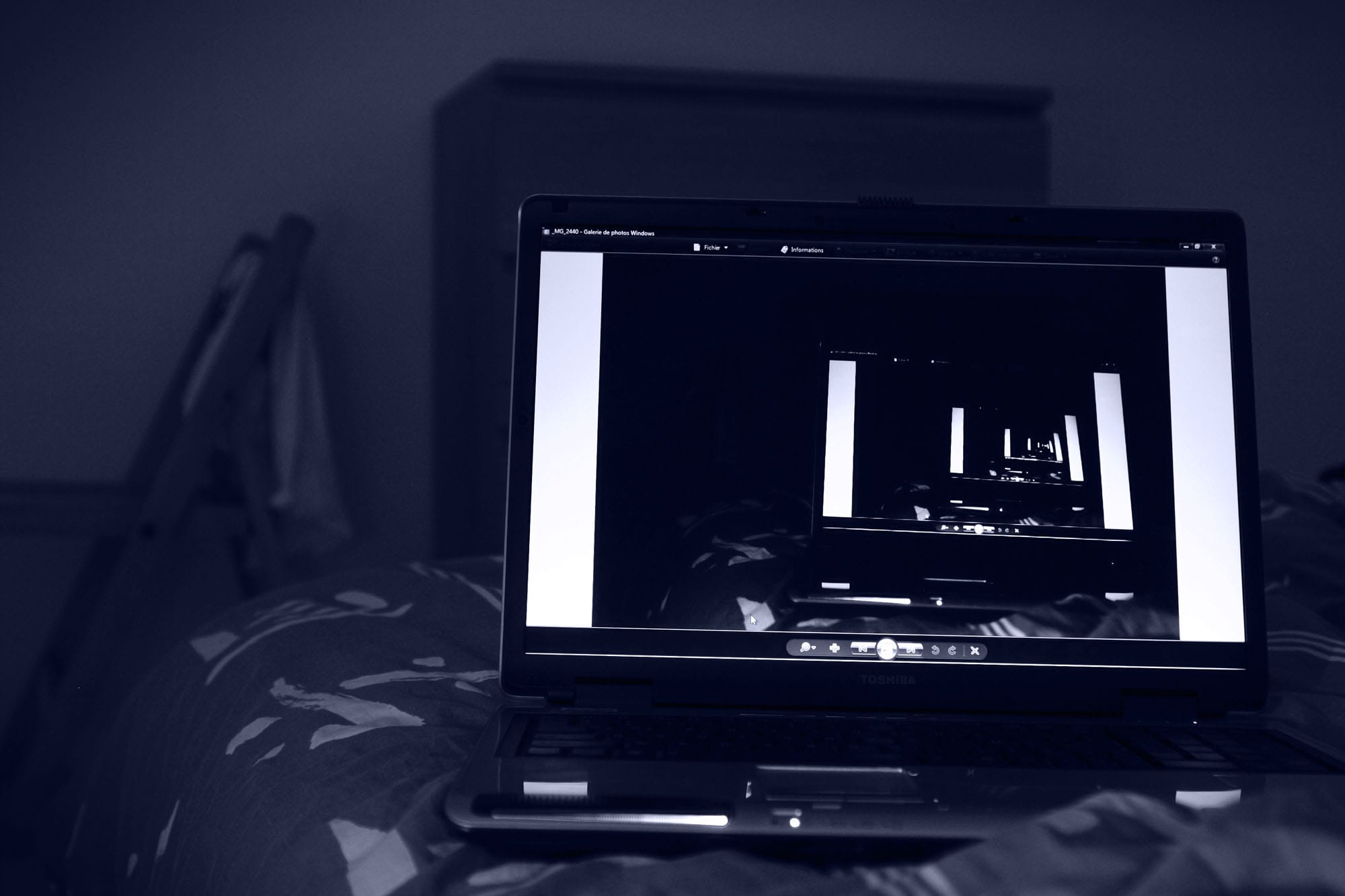 petite television pas chere. Black Bedroom Furniture Sets. Home Design Ideas