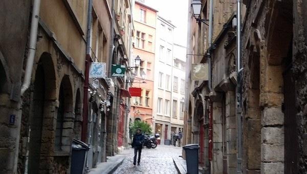 Dans le Vieux Lyon, l'extrême droite radicale s'implante dans un nouveau local