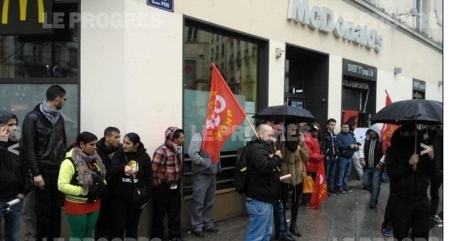 A Lyon, la CGT dénonce les «méthodes anti-syndicales» d'un franchisé Mc Donald's