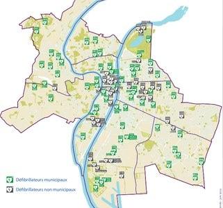 Services d'urgence à Lyon : y a-t-il suffisamment de défibrillateurs aux bons endroits ?