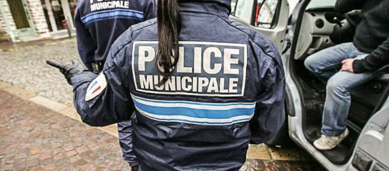 Des caméras à Rillieux-la-Pape, des armes de poing à Vaulx-en-Velin… Quand la police municipale s'équipe