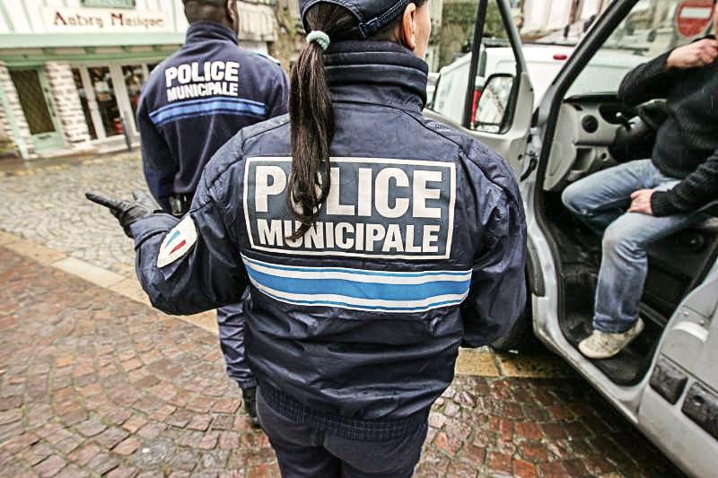 Priv s d 39 armes feu et bient t de cam ras les policiers municipaux de grenoble m contents for Police grenoble