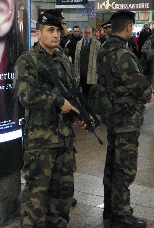 Patrouille de militaires à la Gare Part-Dieu (Lyon)