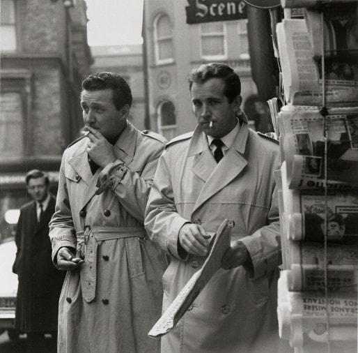 """Ian Hendry et Patrick Macnee, premier duo de """"Chapeau melon & bottes de cuir""""."""