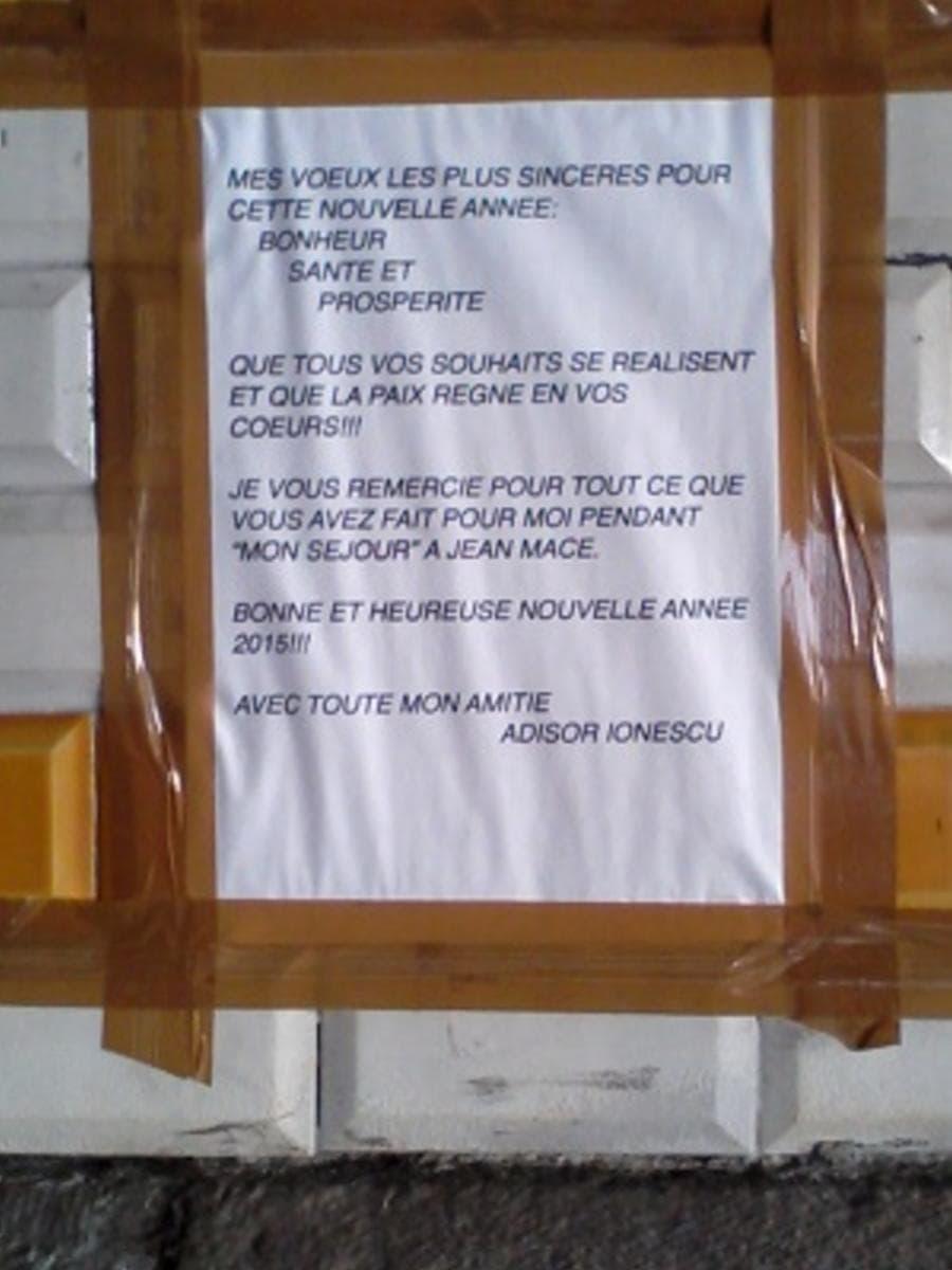 Des vœux placardés sous le pont de la place Jean Macé le 5 janvier 2015. BE/Rue89Lyon