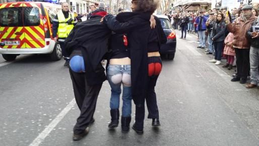 Pour soutenir Charlie, certains ont voulu faire de l'humour dans Lyon. Crédit : Rue89Lyon.