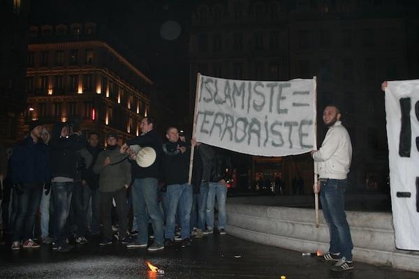Rassemblement anti-islam organisé par les identitaires lyonnais, place des Jacobins (Lyon 2e). ©DR