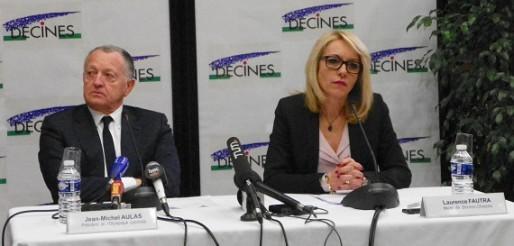 Jean-Michel Aulas (président de l'OL) & Laurence Fautras (maire de Décines-Charpieu) en conférence de presse en février 2015. Crédit : Axel Poulain/Rue89Lyon