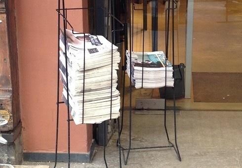 Redevance sur les présentoirs : les journaux gratuits de Lyon entrent en négociation
