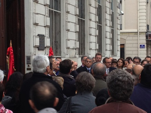 Les hommes politiques présents ont rendu hommage aux victimes de l'attentat de Tunis