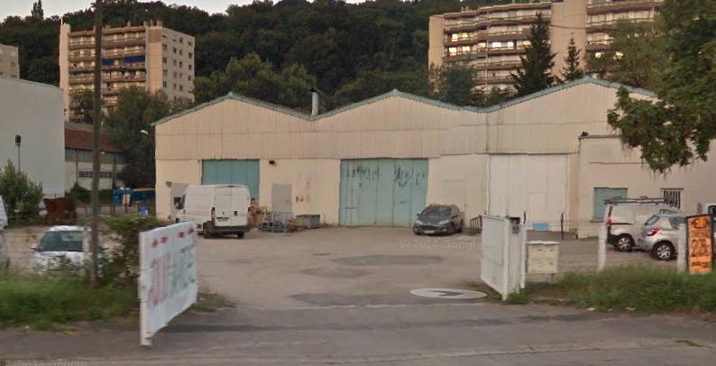 La petite zone commerciale, route de la Libération à Sainte-Foy-lès-Lyon où se situe ce nouveau local nationaliste. Capture d'écran Google Maps