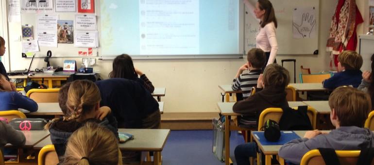 On a fait la twictée ou dictée sur Twitter, dans une école privée de Lyon
