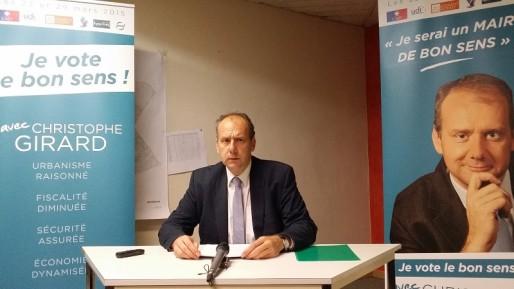 Christophe Girard lors de sa conférence de presse, mercredi 25 mars 2015, à la veille du second des municipales partielles de Vénissieux.