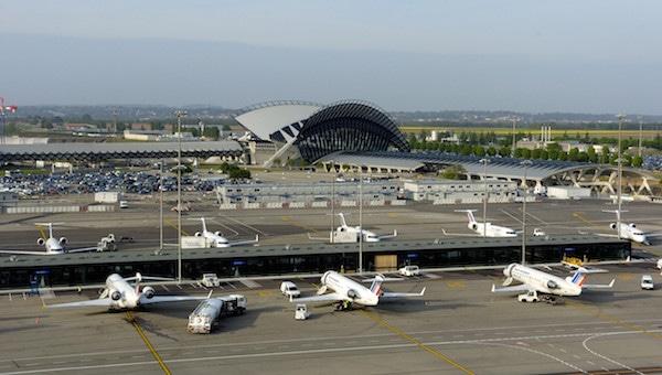 Vinci reprend l'aéroport de Lyon: des actionnaires régionaux mécontents