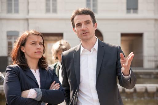 Cécile Duflot et Eric Piolle lors d'une visite du Quartier de Bonne, le 14 mars 2014. Crédit Photo : Véronique Serre.