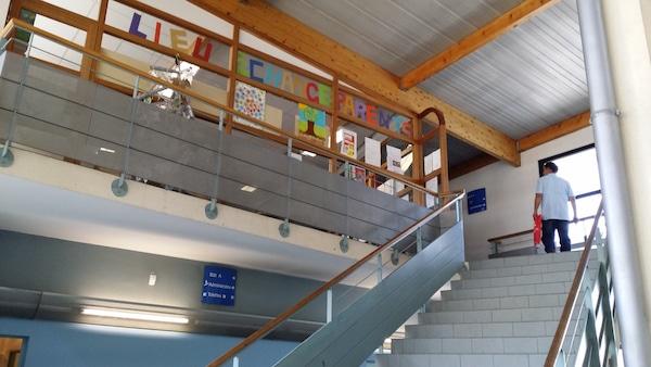 Le Lieu d'échanges-parents, à l'intérieur du collège de la Duchère. ©LB/Rue89Lyon