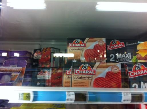 Steak Charal dans le rayon surgelés d'un supermarché. Crédit : Rue89Lyon.
