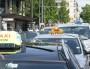 Taxis en grève devant le centre commercial de la Part-Dieu. ©LM/Rue89Lyon