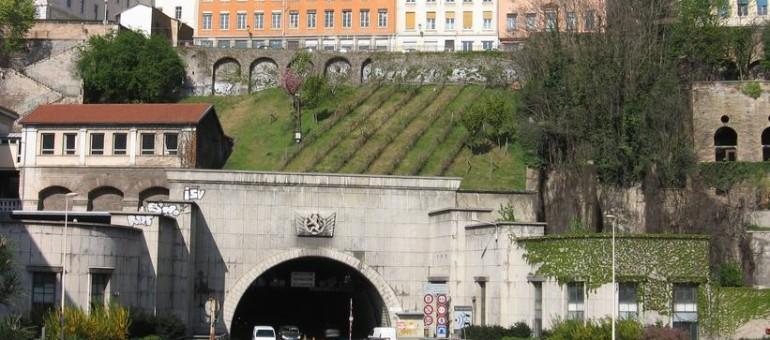 Pollution du tunnel de la Croix-Rousse : une école tousse