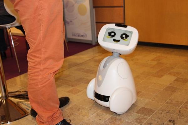 Buddy, un robot domestique au design épuré © LM/Rue89Lyon