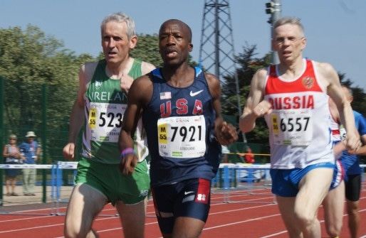 Anselm Lebourne en tête de la qualification 800 m H55