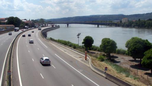 L'autoroute A7 traversant Valence / Photo Einzelheiten zur Genehmigung CC-BY-SA 3.0