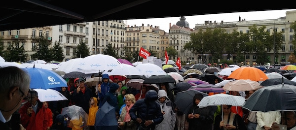 A Lyon, 600 personnes rassemblées en faveur de l'accueil des réfugiés