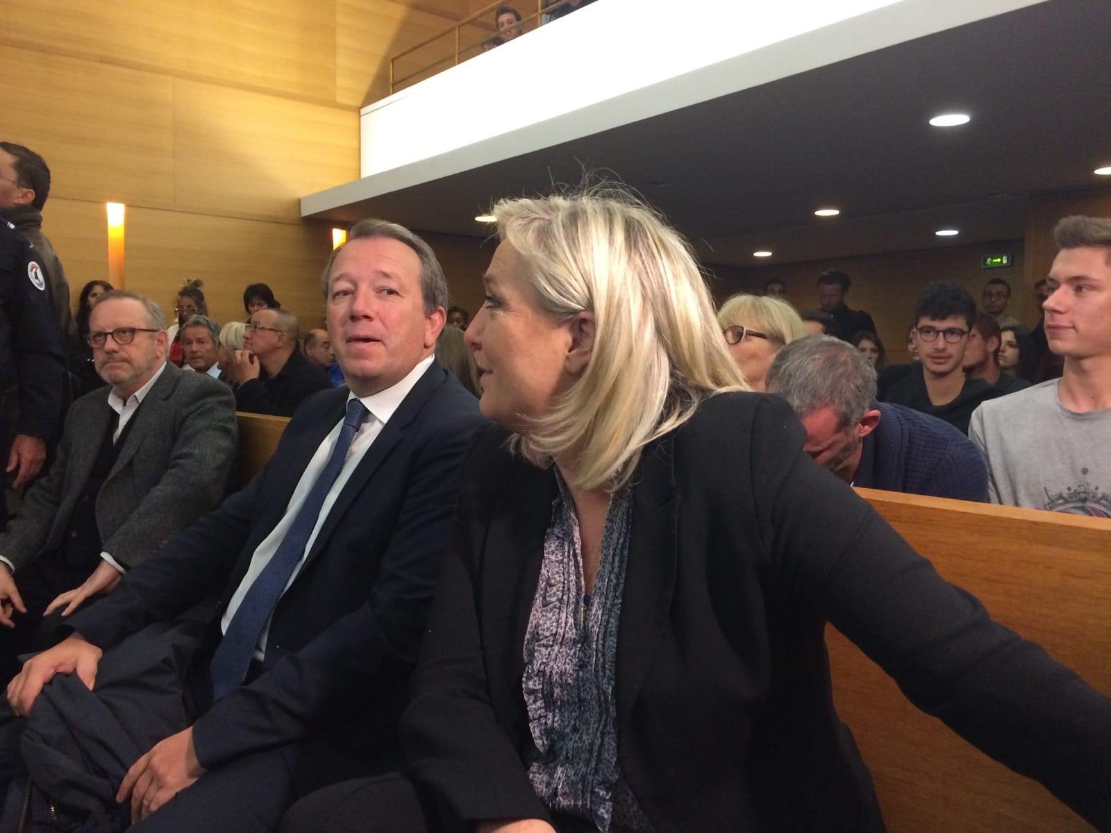 """#JeSuisMarine : au procès de sa présidente, le FN récupère la """"liberté d'expression"""""""