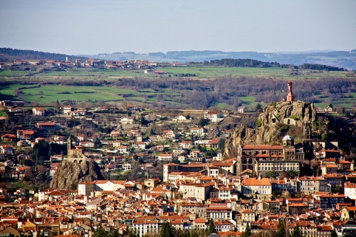 La commune du Puy-en-Velay dans le département de la Haute-Loire. Photo CC by Mike Rowe via Flickr