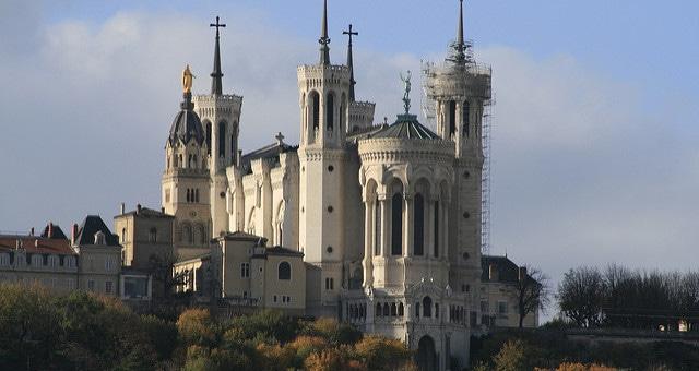 Affaires de pédophilie : perquisition au diocèse de Lyon et bataille juridique en cours