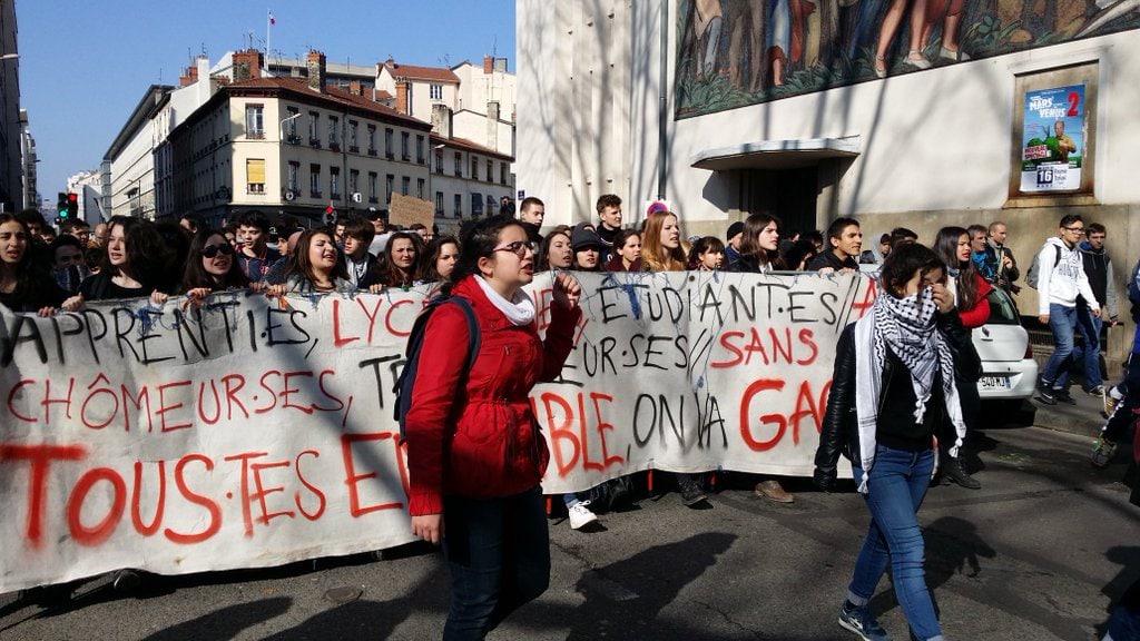 Deuxième manifestation lyonnaise contre la loi travail. Arrivée de la banderole de tête place Guichard. ©LB/Rue89Lyon
